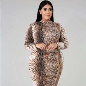 Other - Snake Print Dress